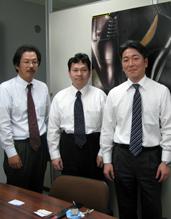 (左から)山下さん、荒井さん、平川さん